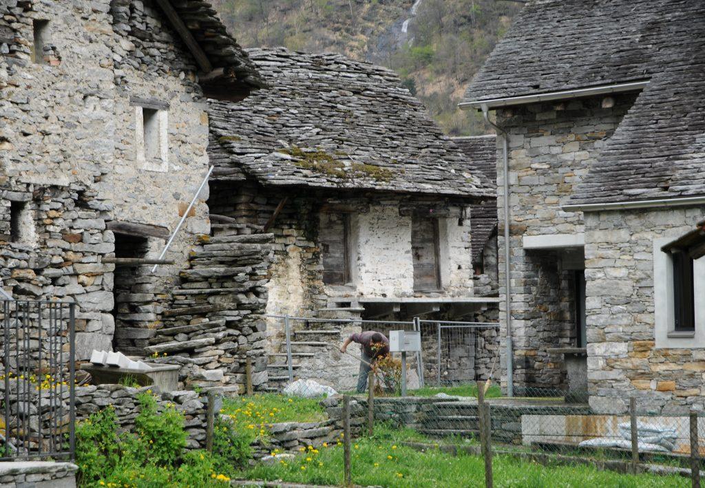 alnasca, case di pietra - stone houses