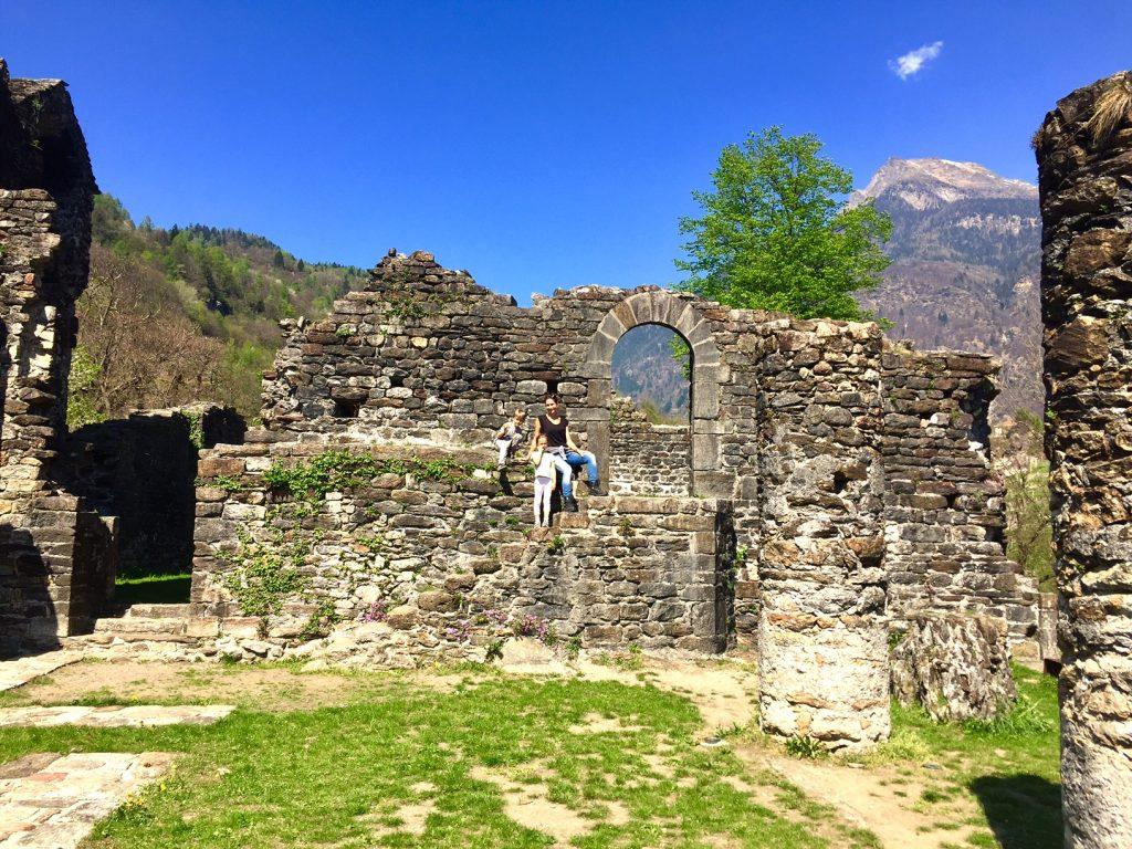 rovine castello di Serravalle