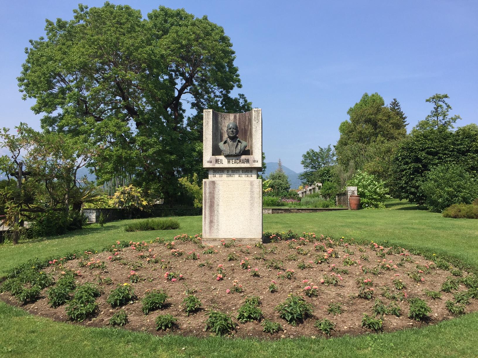 villa Taranto verbania, giardini botanici con monumento