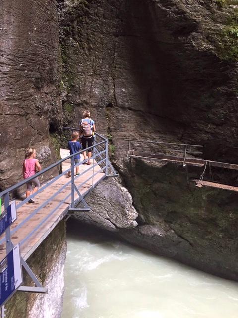 Gole della Aare e cascate di  Reichenbach passerella