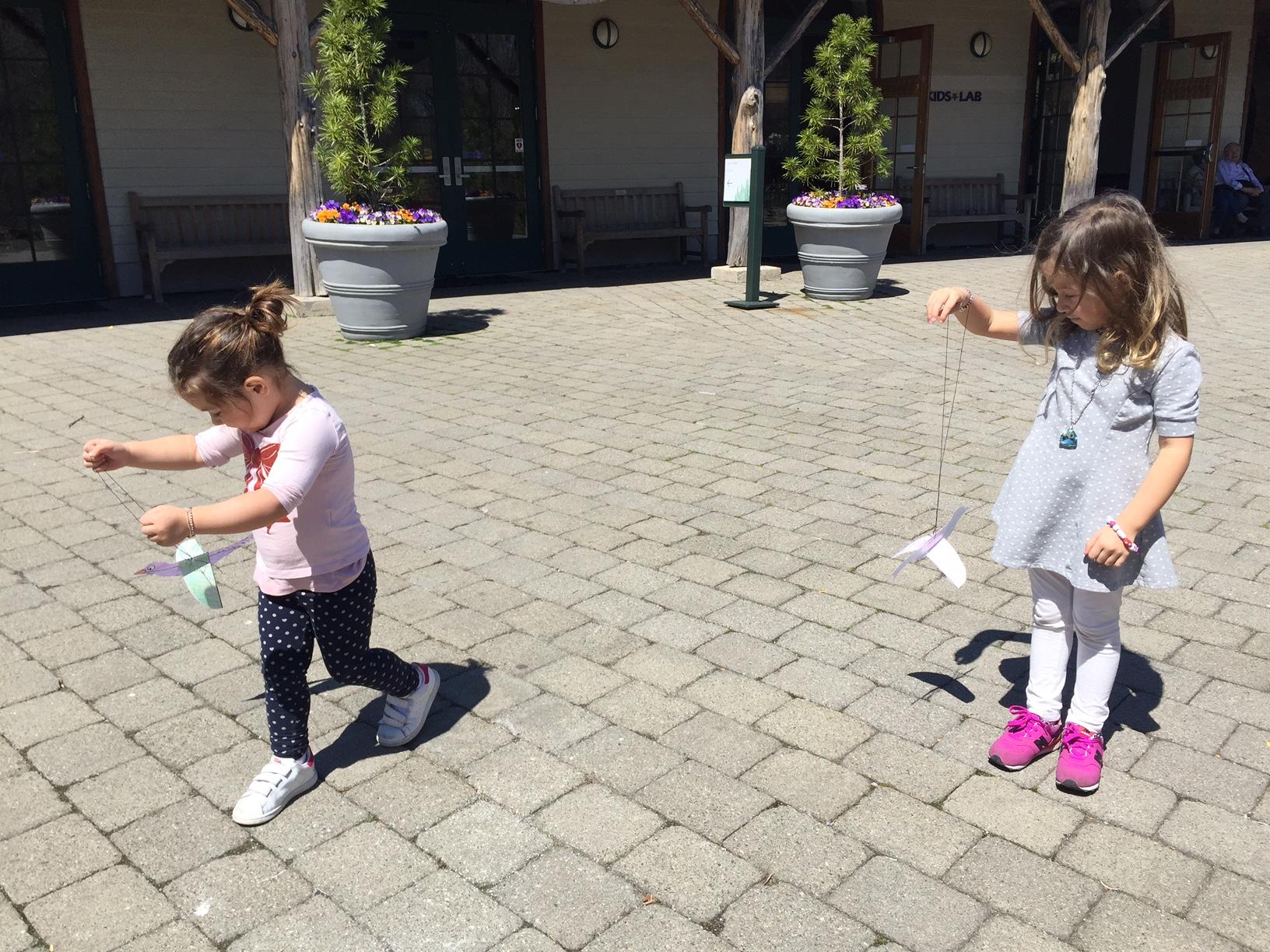 New York  bambine che giocano