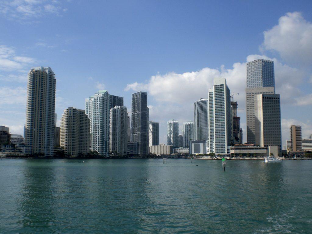 caraibi crociera: miami skyline