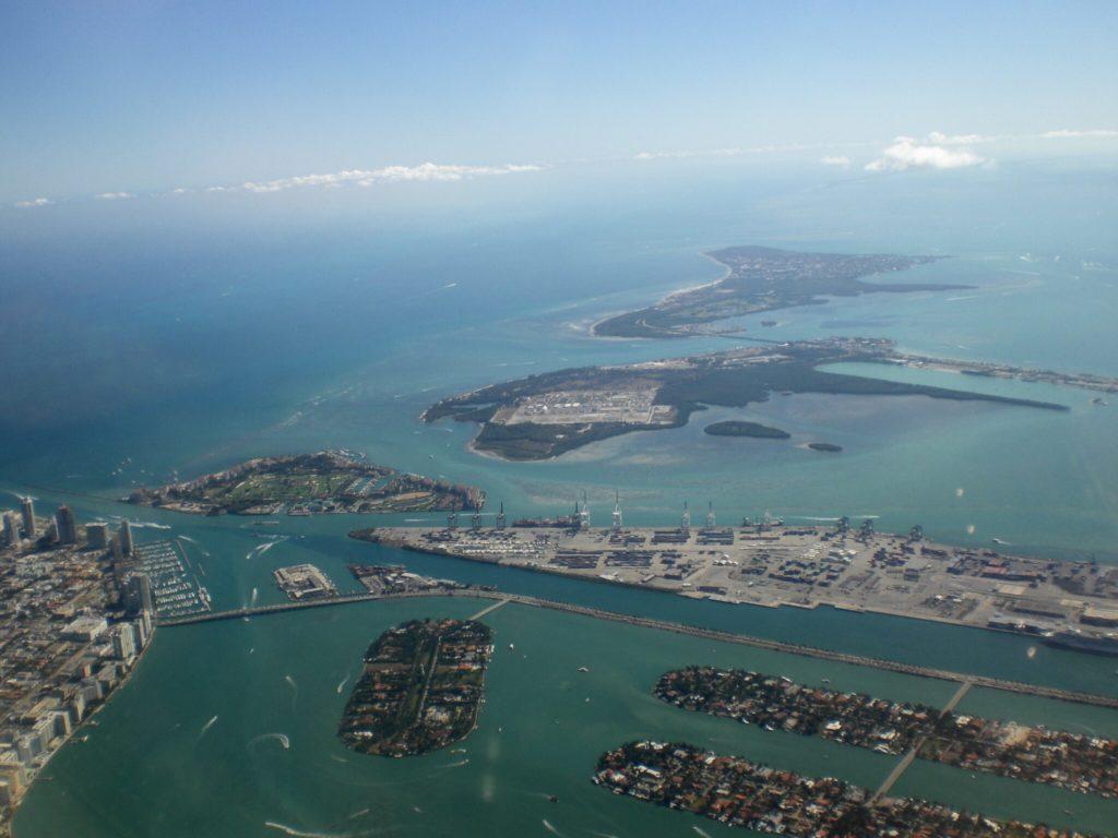caraibi crociera: miami dall'aereo