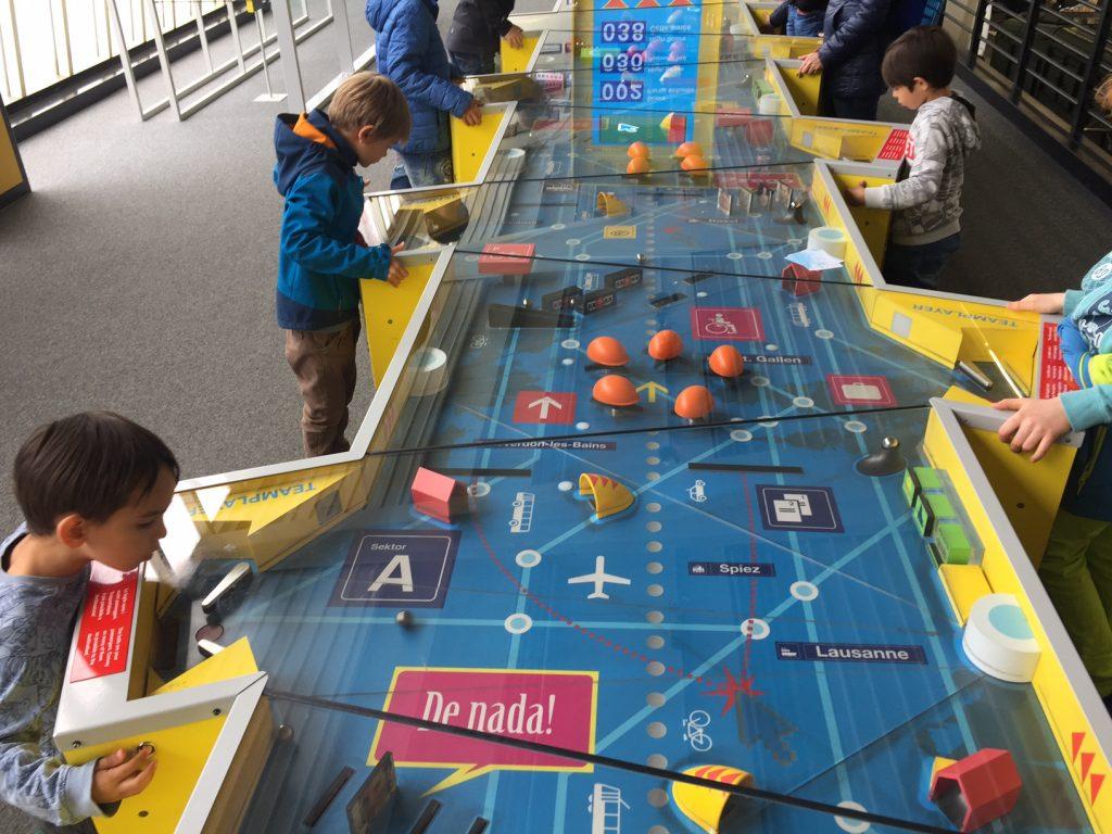 museo dei trasporti e planetario, lucerna. flipper per 10 persone