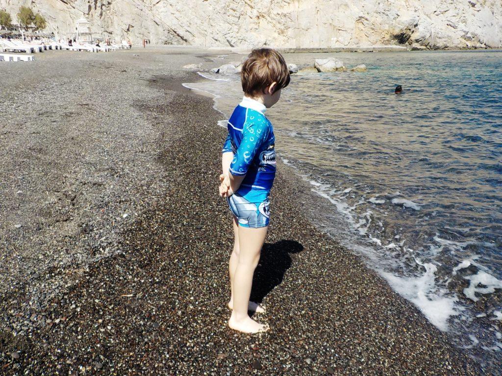 Santorini perissa, spiaggia nera