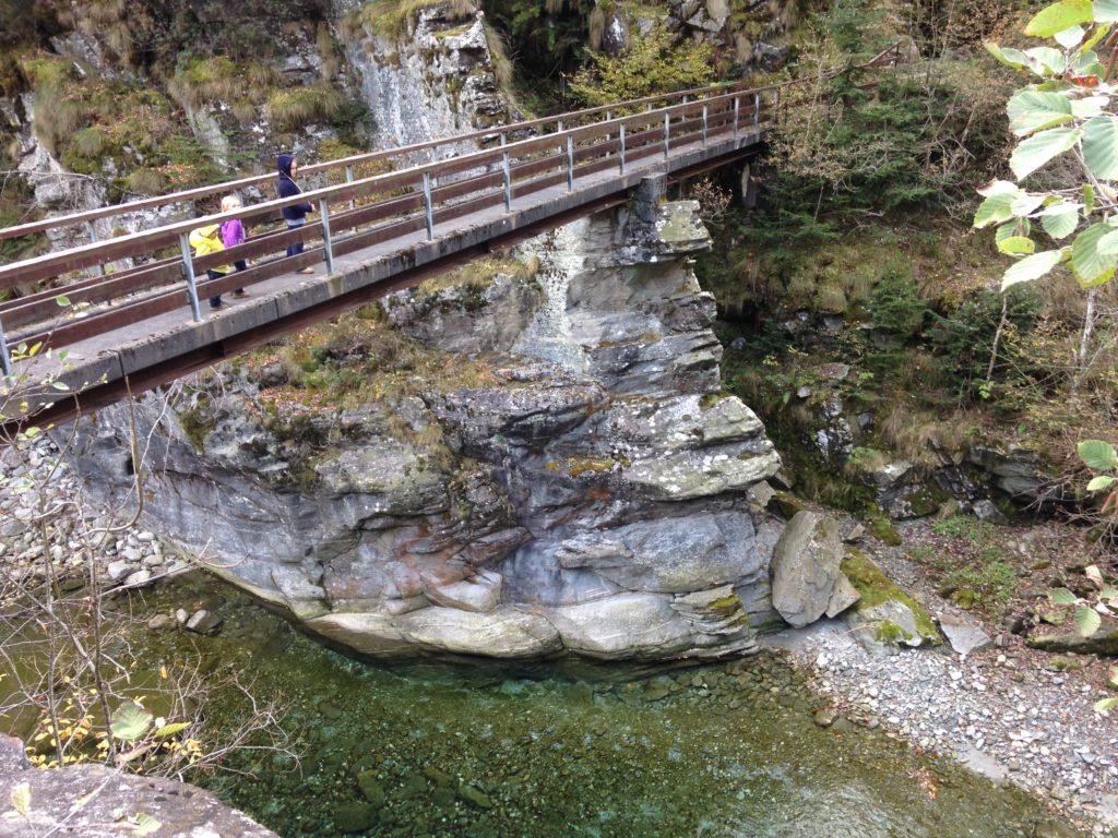 ponte visino ai bagni di craveggia