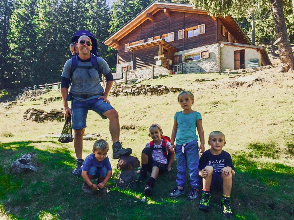 capanna pan d'alpe foto di famiglia