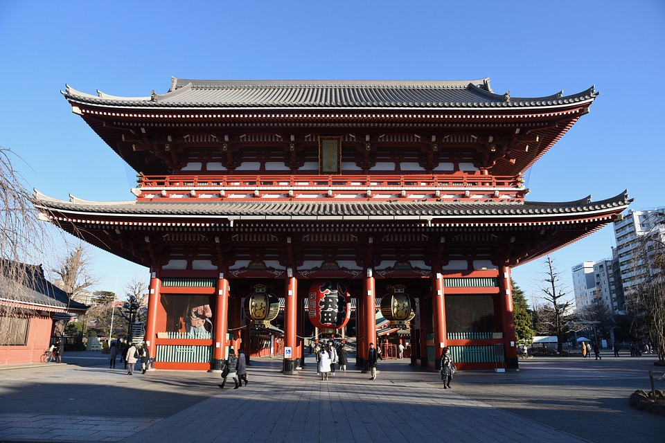 place to see with kids: senso-ji tokyo