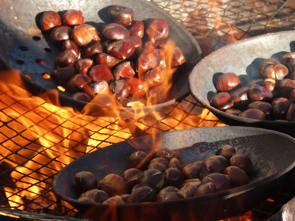 caldarroste sul fuoco