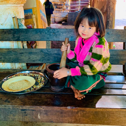 lago inle birmania, bambina
