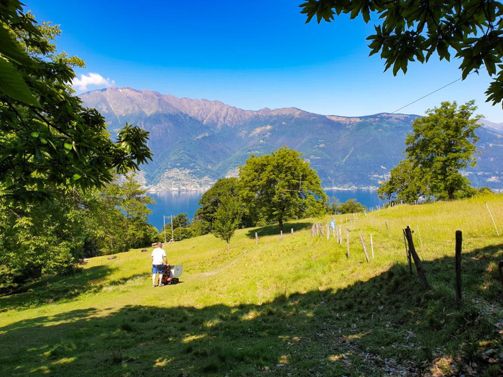 vista sul lago maggiore dai monti di caviano