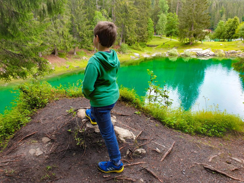 lago di cauma ed acque color smeraldo