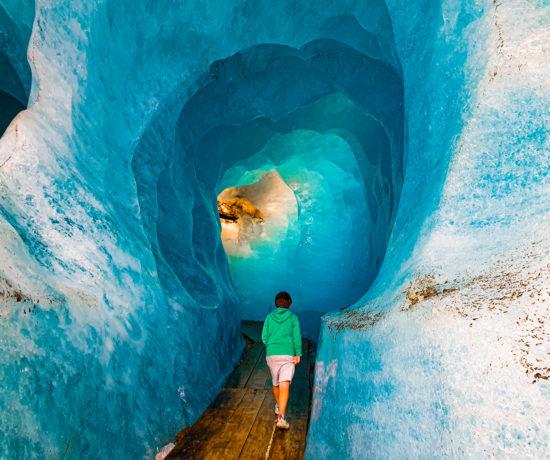 furka grotta nel ghiacciaio del rodano
