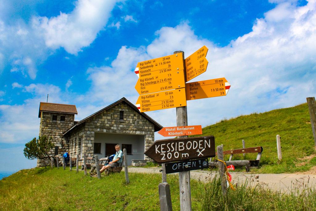 cartelli escursionistici sul rigi