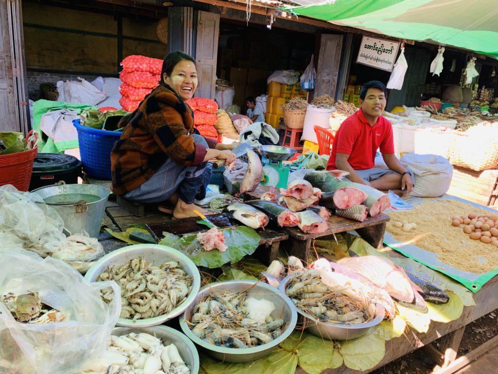 mercato Birmania